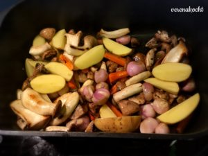 geschmorter Kalbsrollbraten in Rotweinsauce