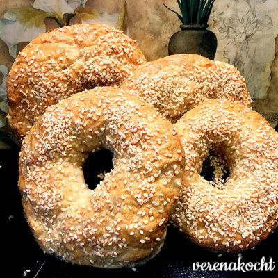 home-made Dinkel Vollkorn Bagels (oder) der perfekte Snack an heißen Tagen