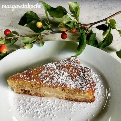 super saftiger Apfelkuchen mit Mandeln (und) Zeit des Apfels!