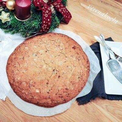 mit Kirschenmarmelade gefüllter Riesen Cookie (oder) Marzipan nicht erwünscht!