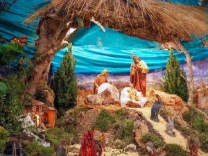 """riesiges Modell einer Krippe in der Kirche """"Sant Jaume"""" in Alcúdia"""