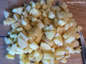 Schaffrischkäse auf Kartoffelsuppe mit Speck