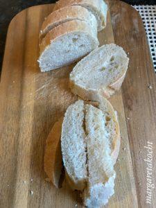 cremige Selleriesuppe mit Kernöl & Croutons