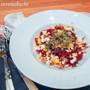Zoodles von der Roten Rübe mit Feta & Mais