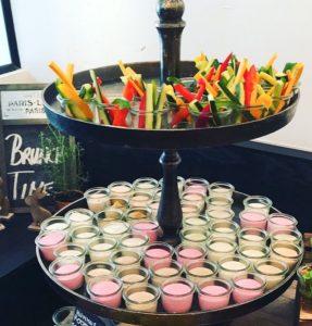Gemüse-Sticks & vegetarische Aufstriche