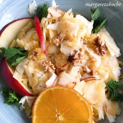 Rohkost Salat von Sellerie & Apfel (oder) Vitamine können grad gar nicht schaden!