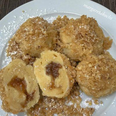 fluffige Topfenknödel mit Apfelstrudel Marmelade (und) mein Dessert ist ihre Hauptspeise