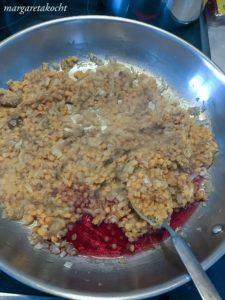überbackene Auberginen mit roten Linsen