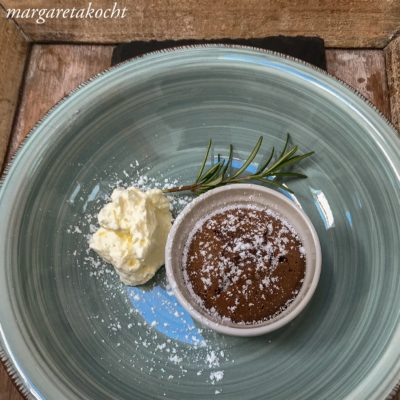 Schokokuchen mit flüssigem Kern (und) Ratz-Fatz Kuchen am Muttertag