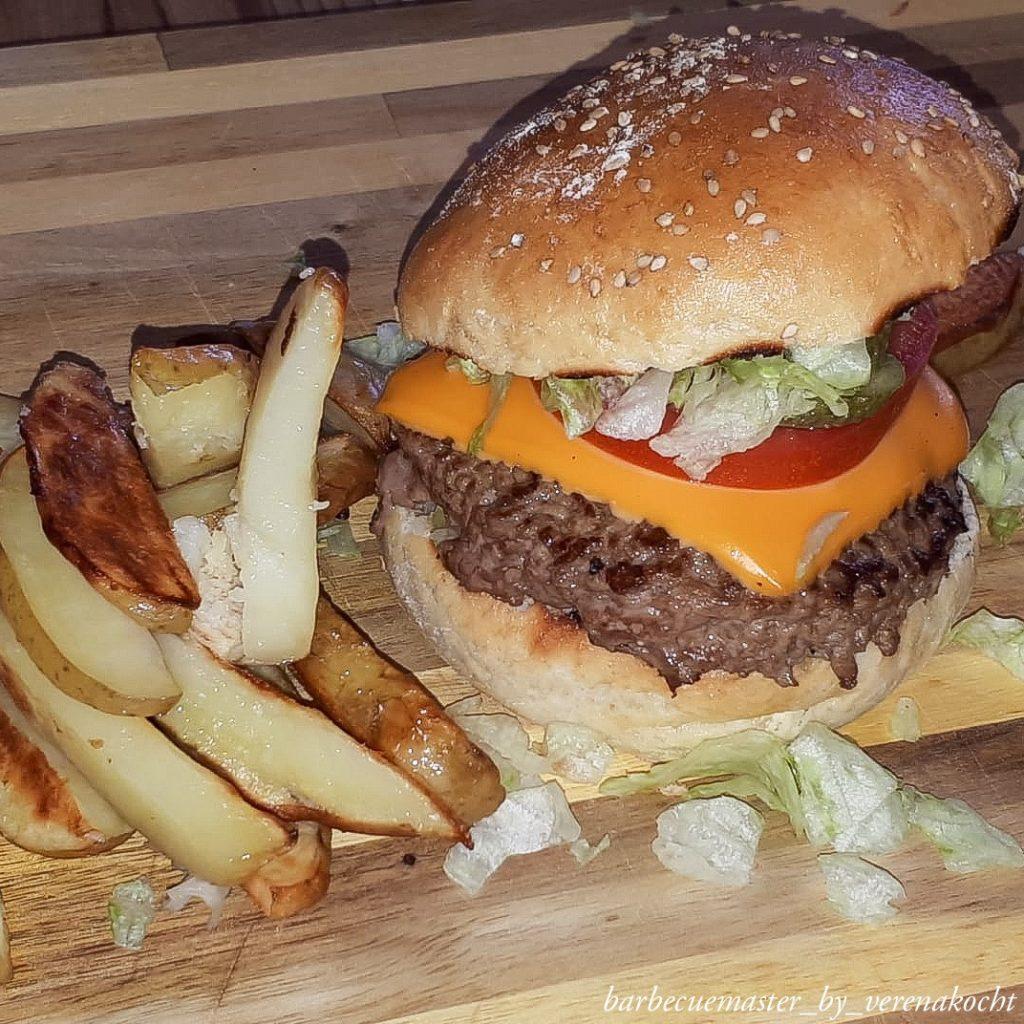 Classic American Cheeseburger