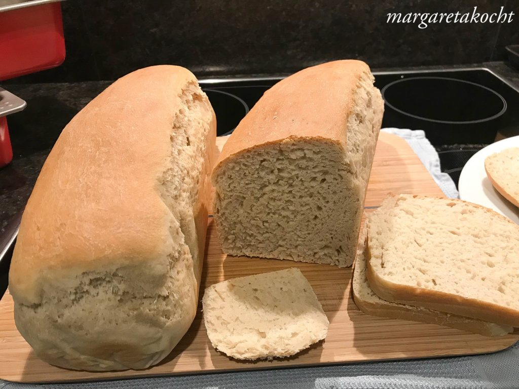 einfaches Toastbrot mit Sauerteig