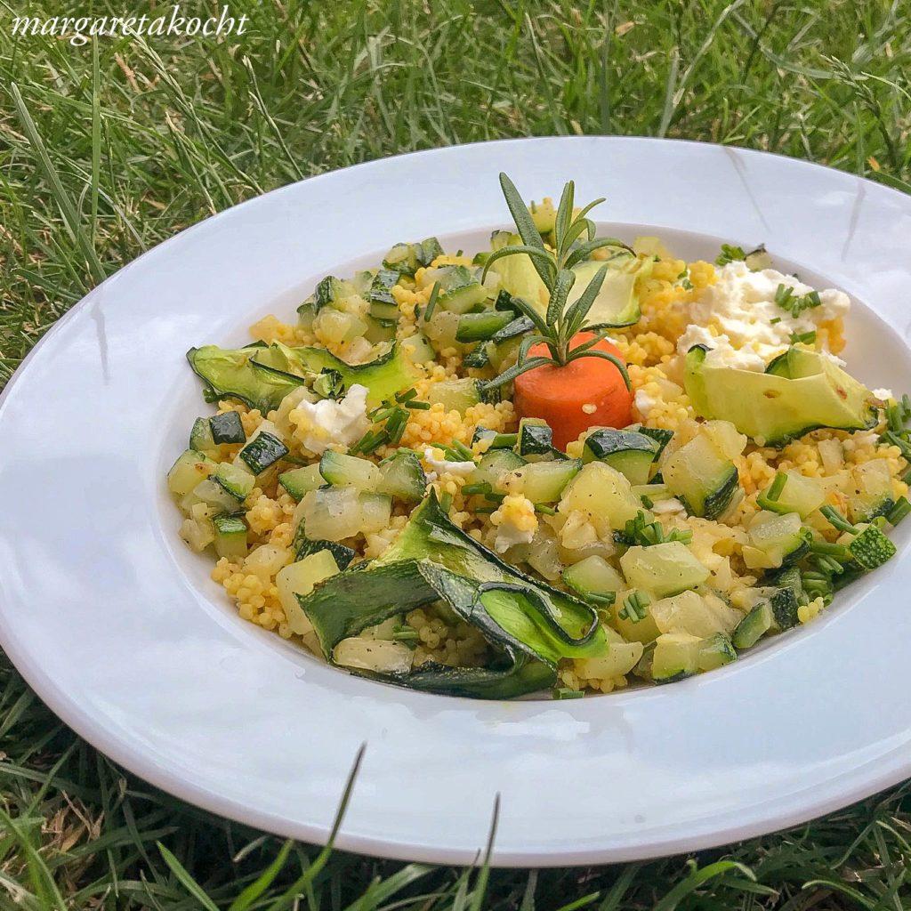 Hirse Risotto mit Zucchini & Schafkäse (und) Her mit der Zucchini!