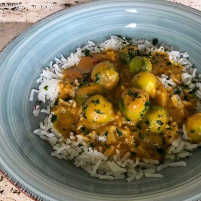 würziges Kohlsprossen Curry (und) … ab auf die Couch!