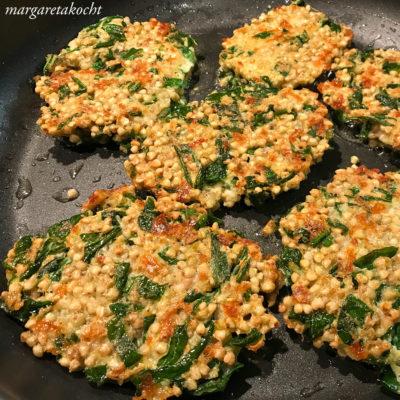 vegetarische Bratlinge vom Buchweizen mit Bärlauch (und) Das Frühstück muss warten!