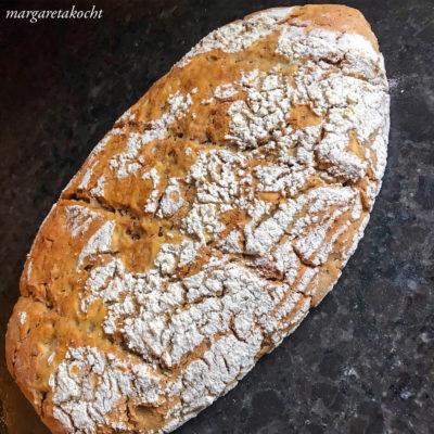 Dinkel Sauerteig Brot aus Brotresten (und) Margaretas #zerowaste Rezept am Blog