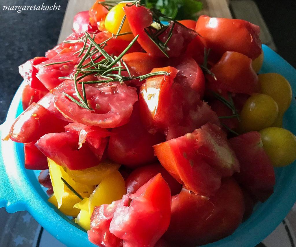 einfaches Paradeis (Tomaten) Sugo