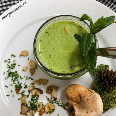 Kräuter Rahm Suppe mit Kräuterseitlingen (und) warme oder kalte Suppe?