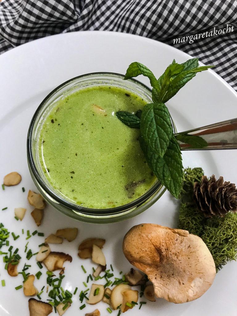 Kräuter Rahm Suppe mit Kräuterseitlingen