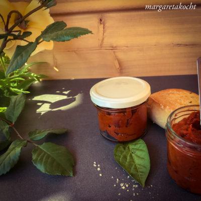 köstlich vegane Paprika Creme (und) welcome summer!