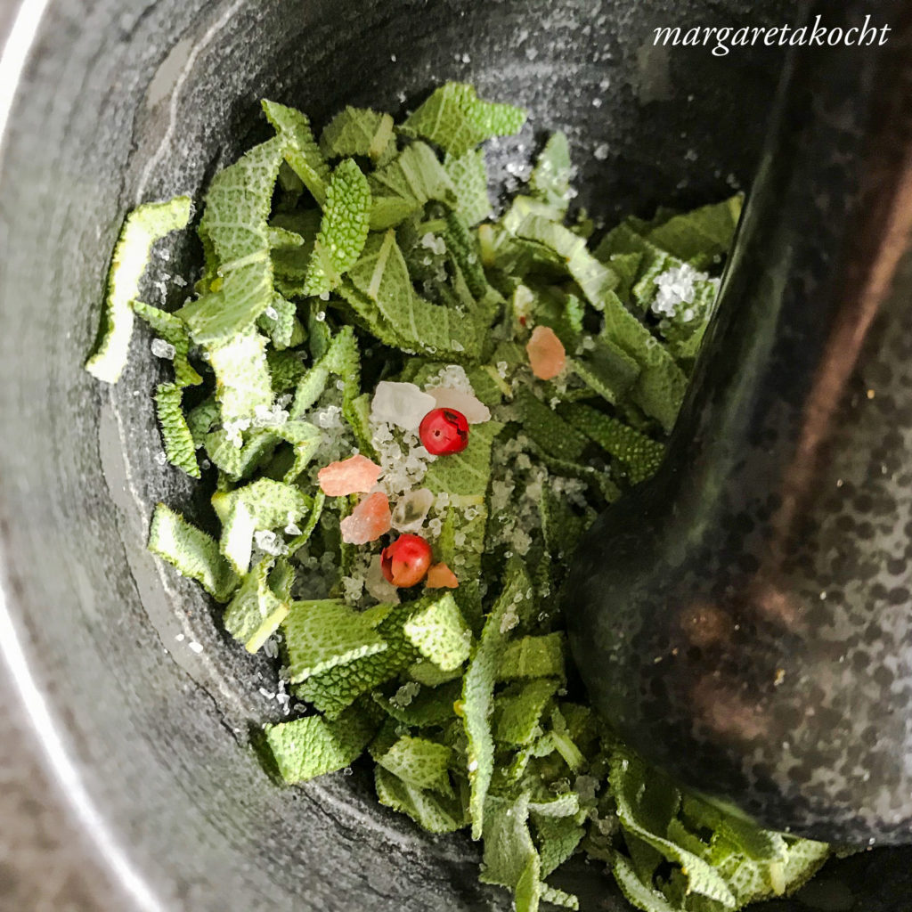 schnelles Salbei Pesto