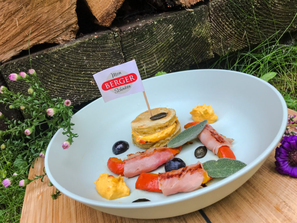 Pikante Pancakes mit Kürbis im Schinkenmantel (und) We love to brunch!