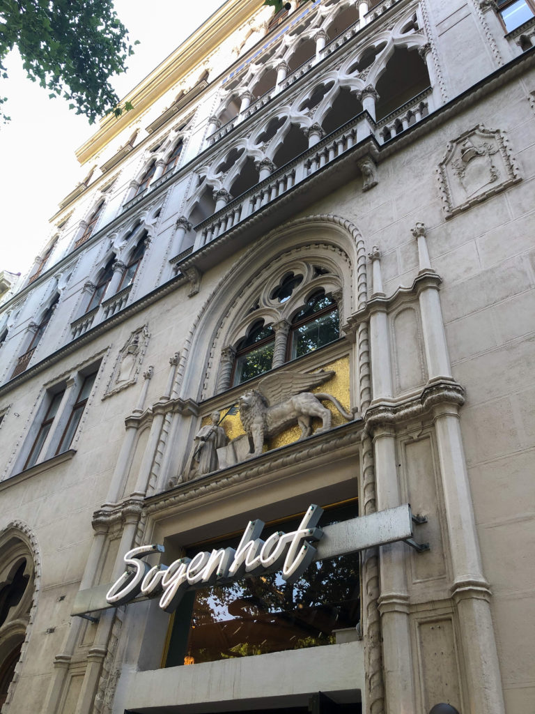 // Review // Der Dogenhof – 1020 Wien (und) The place to relax and enjoy great food!
