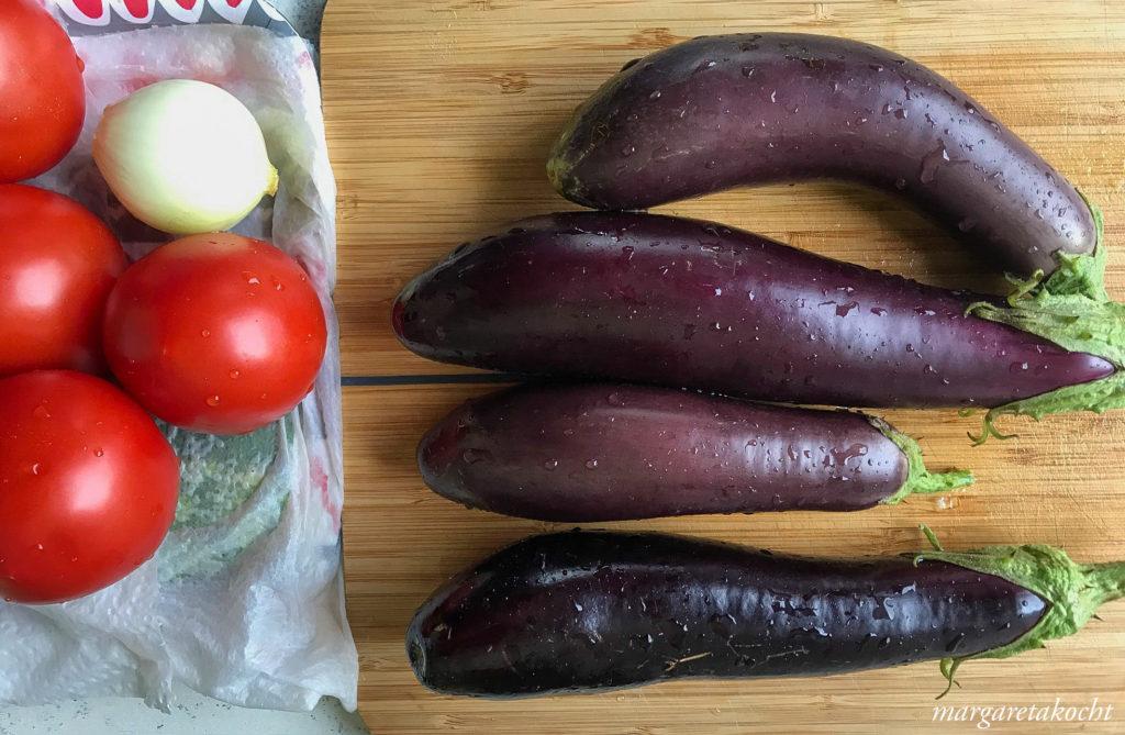geschmorte Auberginen in Tomaten Sauce