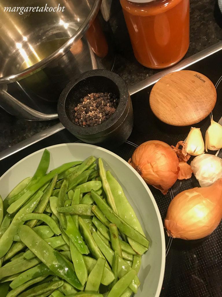 geschmorte Bohnen mit Tomaten