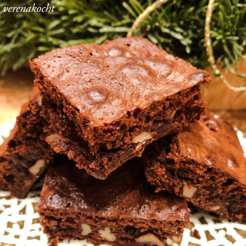 Schoko Brownies mit Pekan Nüssen