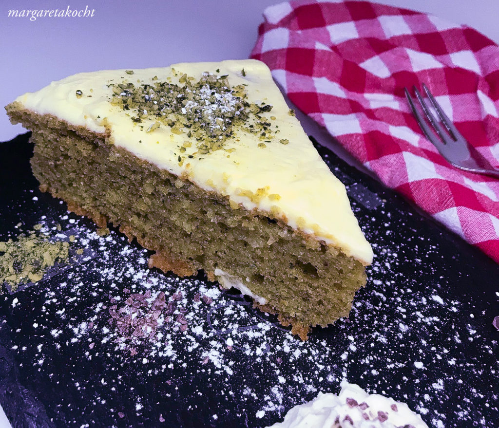 Kürbiskernöl Kuchen mit Frischkäse Topping