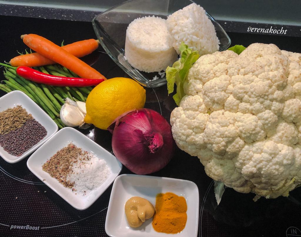 asiatischer Gemüse Reis mit Kurkuma